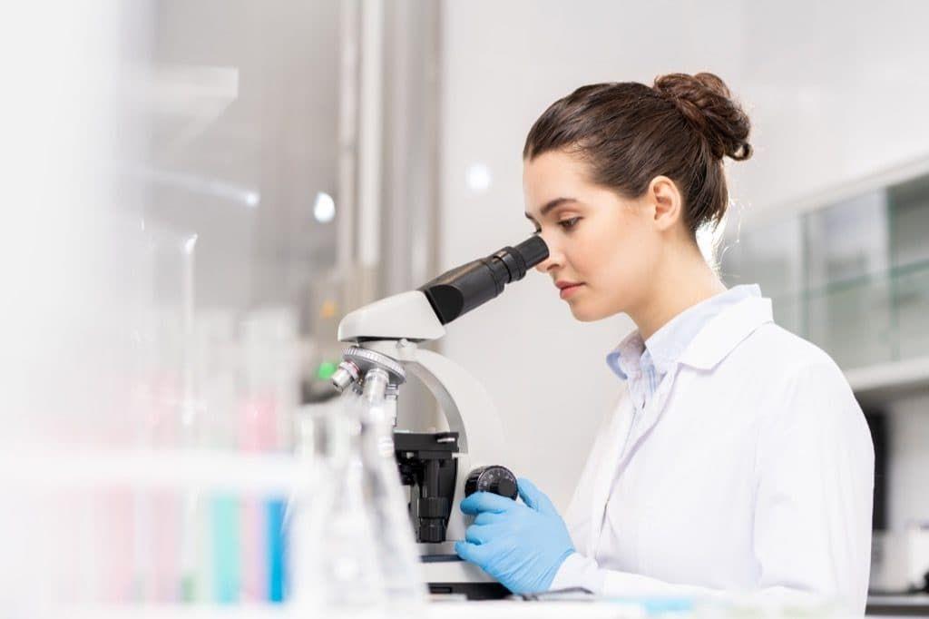 Вирусный артрит — вирусное контагиозное заболевание кур, характеризующееся хромотой и отечностью суставов