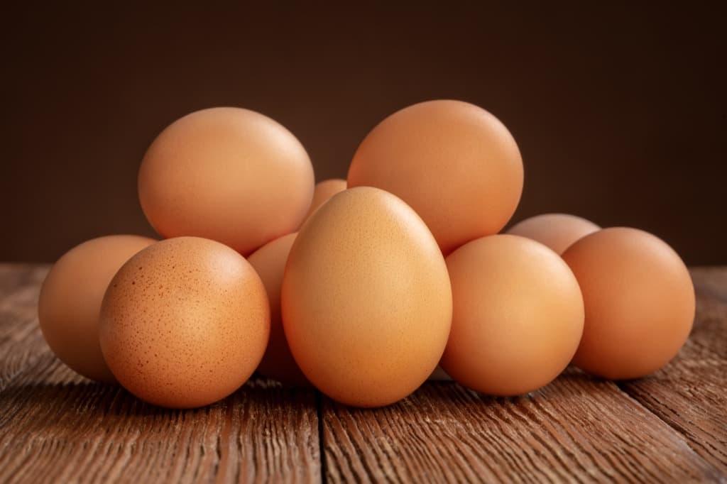 pile-of-chicken-eggs-89zfe23.jpg