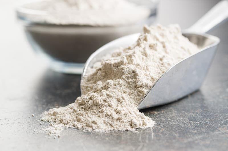 whole-grain-wheat-flour-avr5pdj.jpg